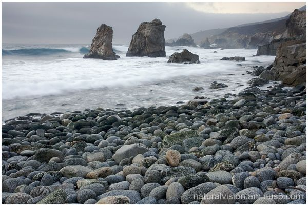 Rocky beach, Big Sur