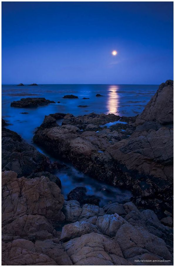 moonset over Big Sur
