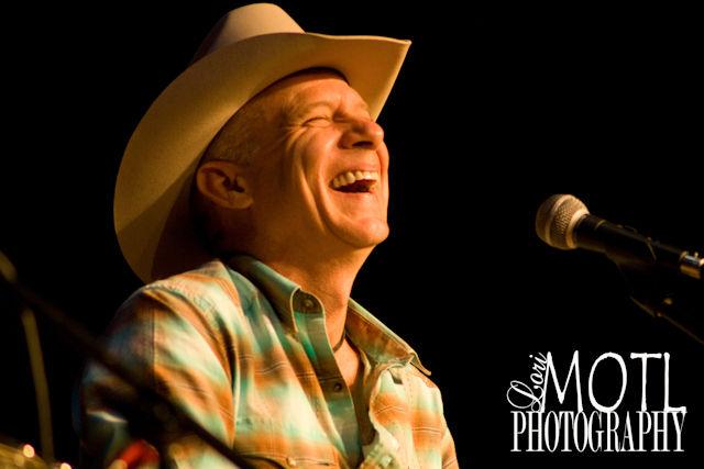 Allen Shamblin in concert