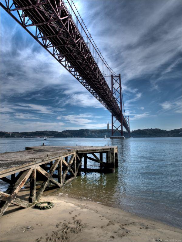 Ponte 25 de Abril in Lisbon