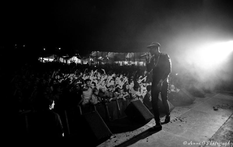 Theophilus London N/B scène Paléo Festival artiste