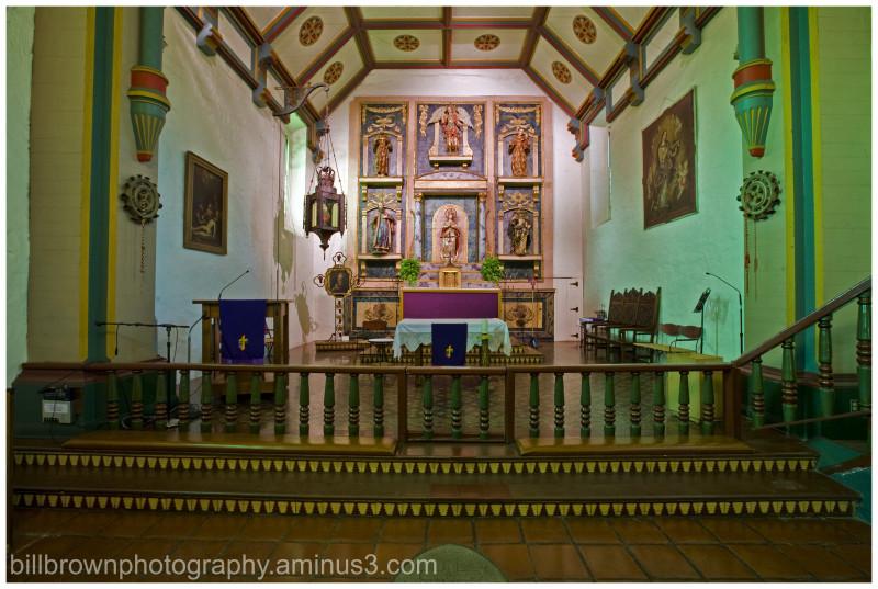 Mission San Gabriel Arcángel - Altar