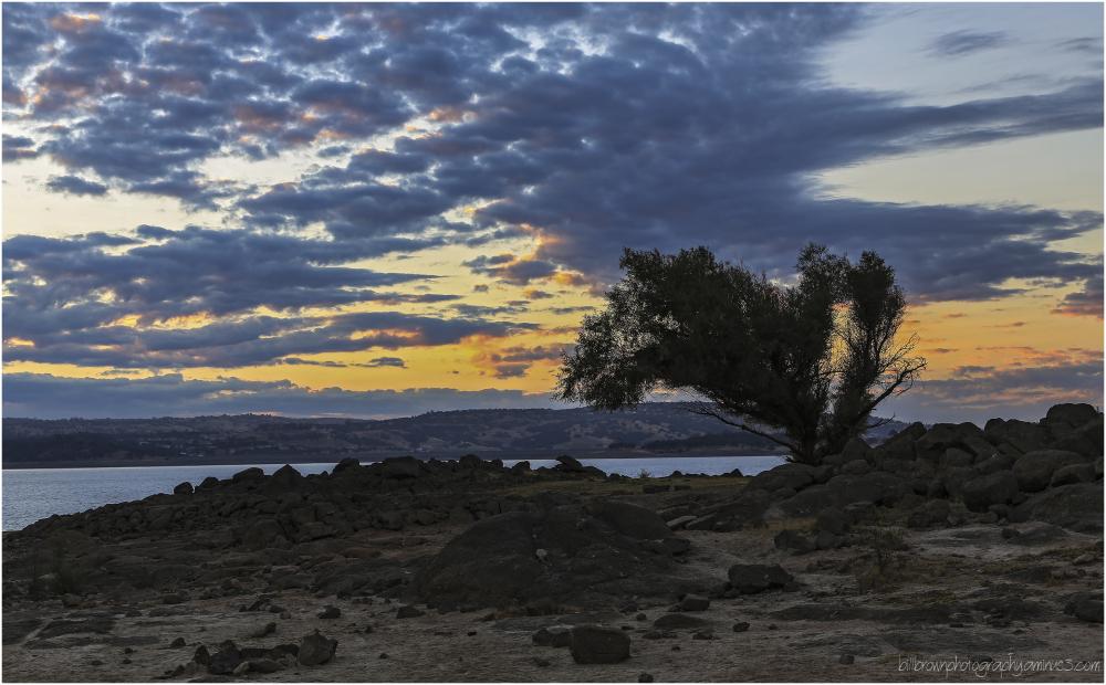 Folsom Lake Sunrise 100412