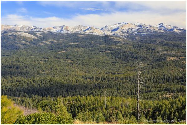 Sierra Nevada Mountain Range from Big Hill Lookout