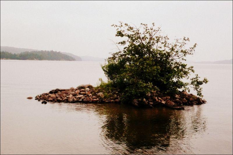 small rocky island, canada