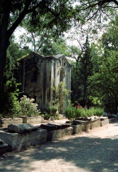 Arles, Allée des Alyscamps