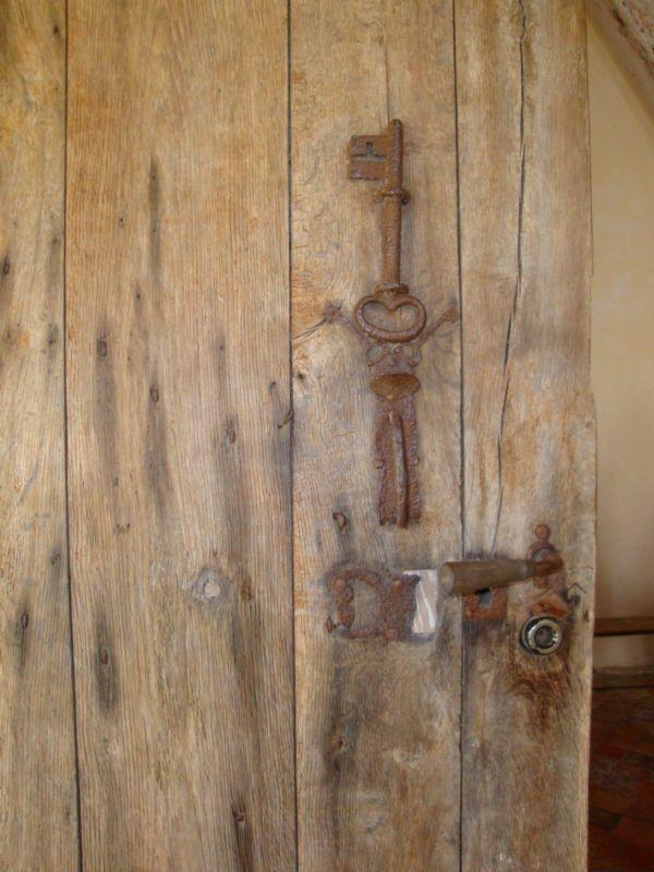 la clef sur la porte...