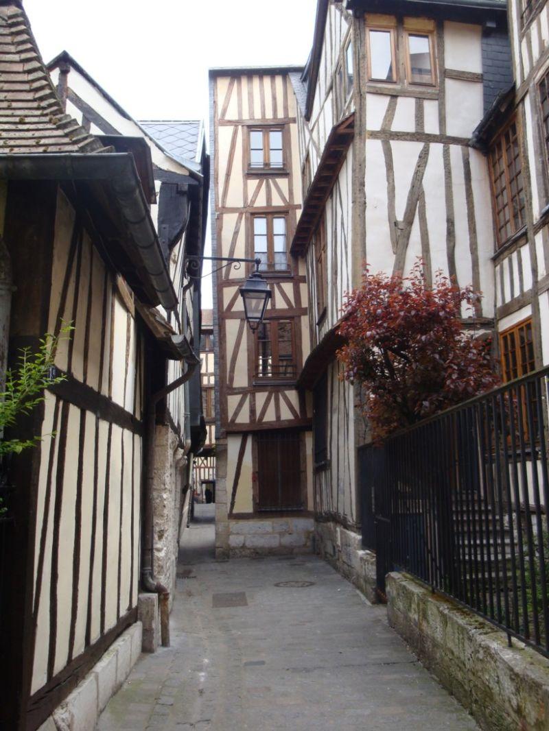 Rue des Chanoines