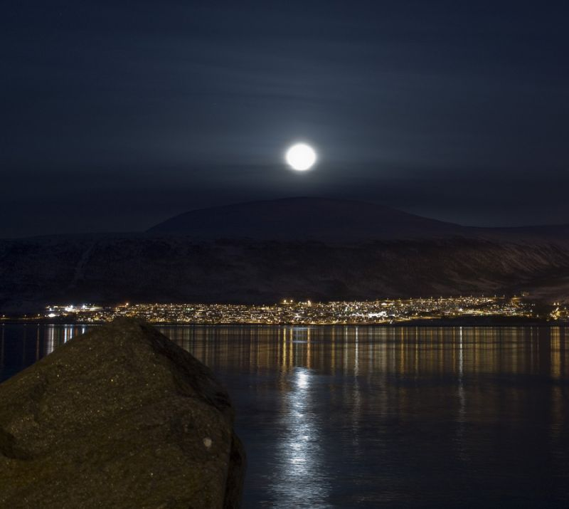 Beautifull moon over the mainland in Tromsø