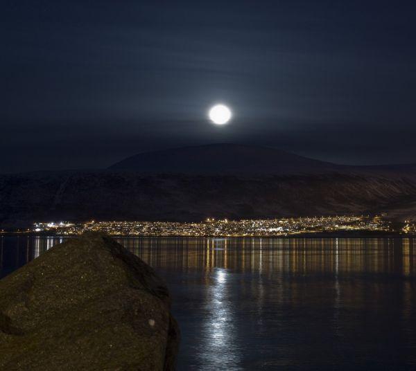 Beautifull moon over the mainland in Tromsø