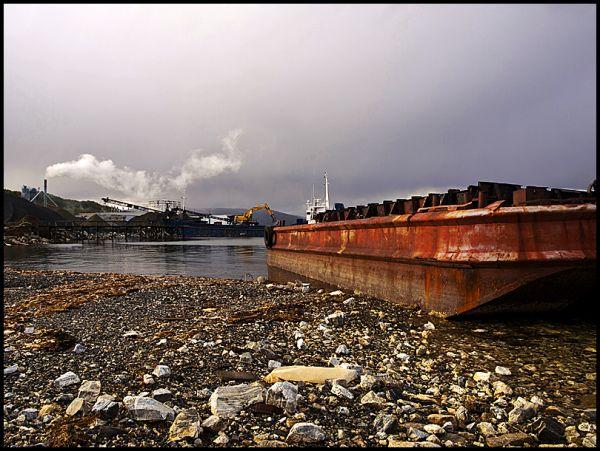 A barge by the Skattøra marina in Tromsø