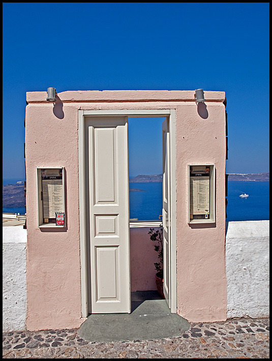A door leading in to nothing on Santorini