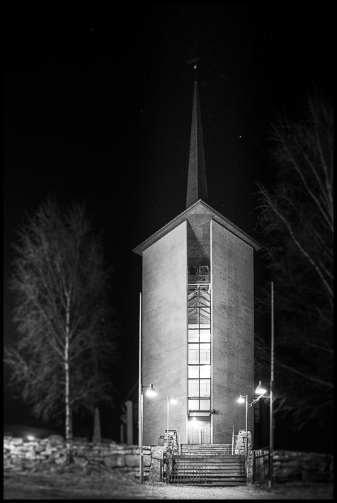 Såner kirke (church) at night