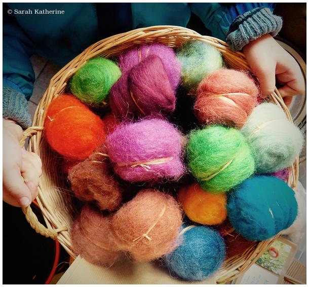 hands, wool