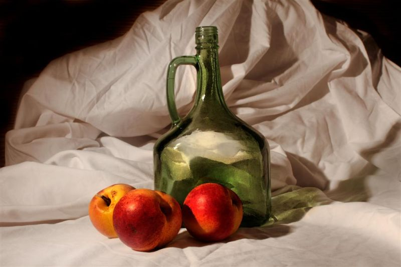 nature-morte nectarines  cruche
