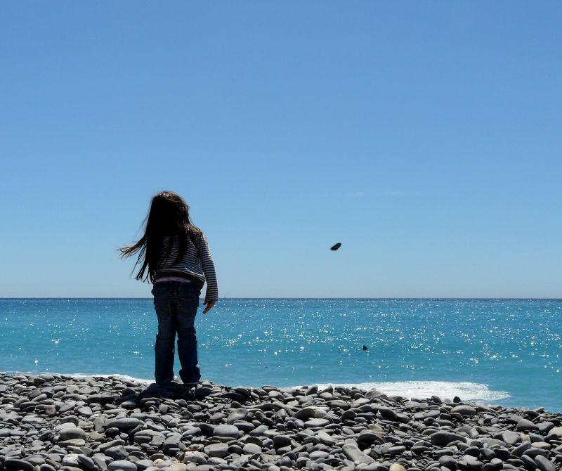 Un galet à la mer 2