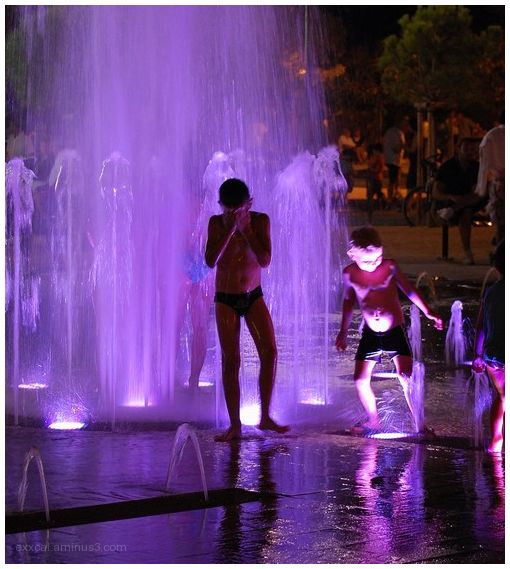 Enfants fontaine