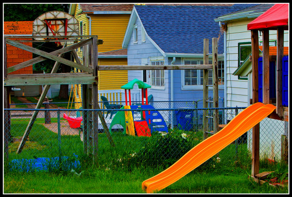 BACKYARD PLAYGROUNDS