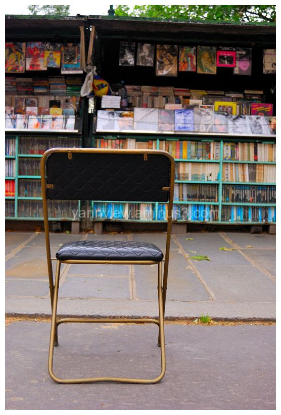 Roadside bookstore at Paris