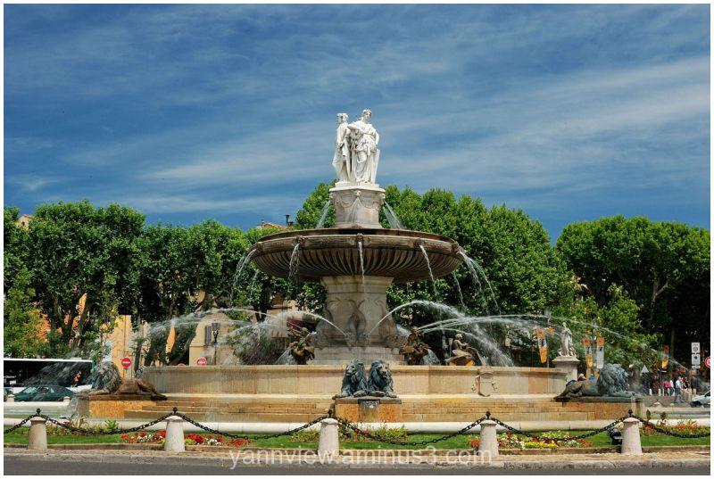 Rotunda fountain of Aix-en-provence