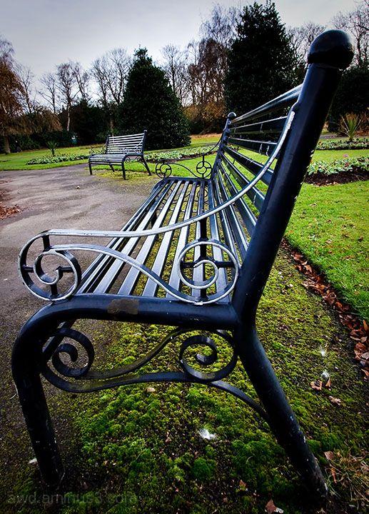 park bench waitung for summer