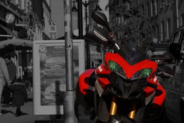 Red Hornet