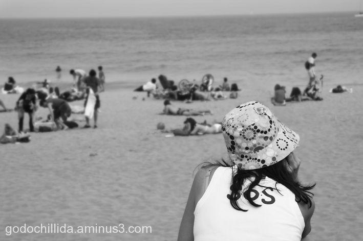 Woman Beach Thinker Hat