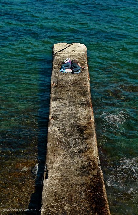Siesta Cadaques Breakwater