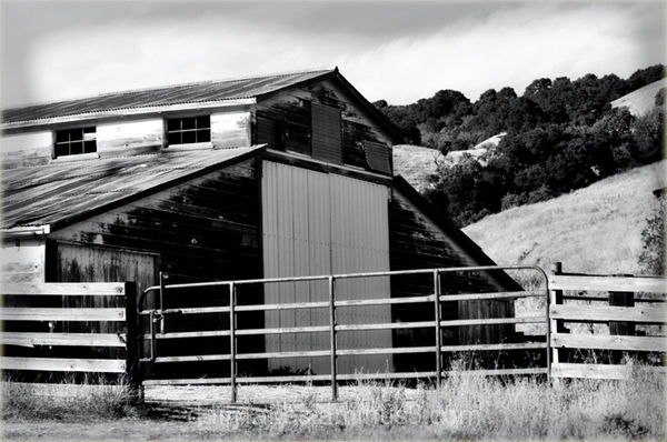 barn in the foothills