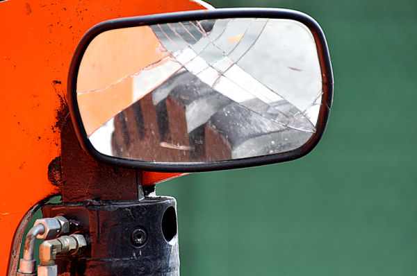 construction zone: truck tire in the mirror ....