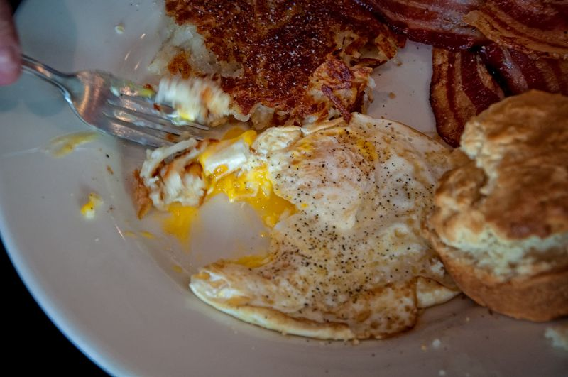 diner breakfast: digging in