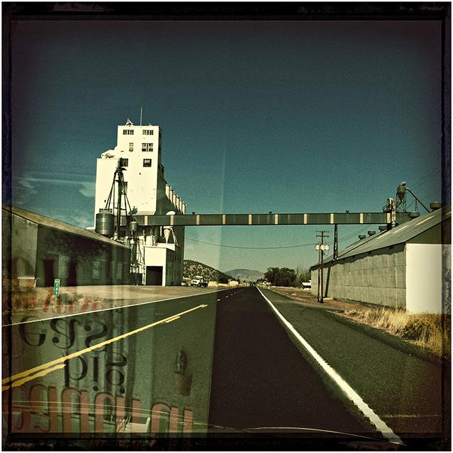 oregon road trip : the road runs through it