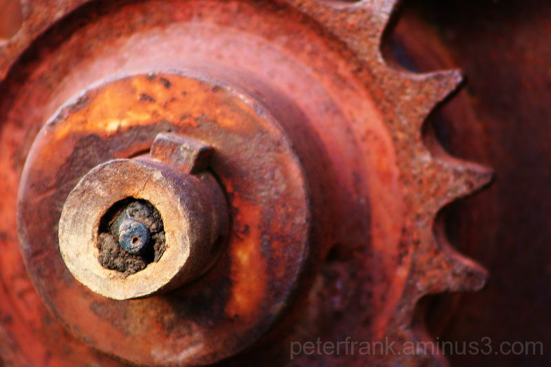 cog-wheel old red rust