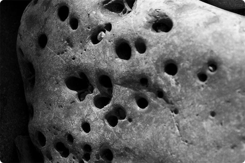 Forats II / Holes II