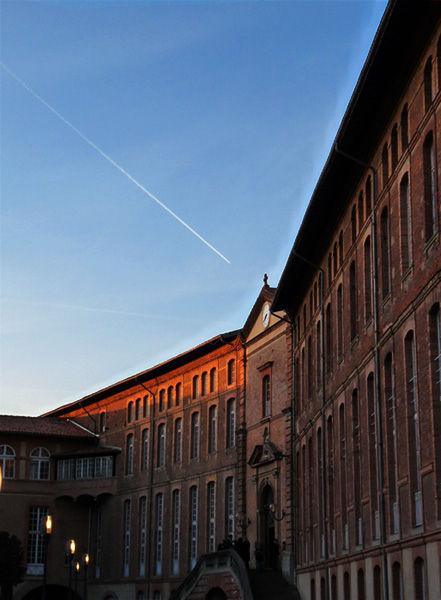 Cour d'entrée de l'Hôtel-Dieu, Toulouse