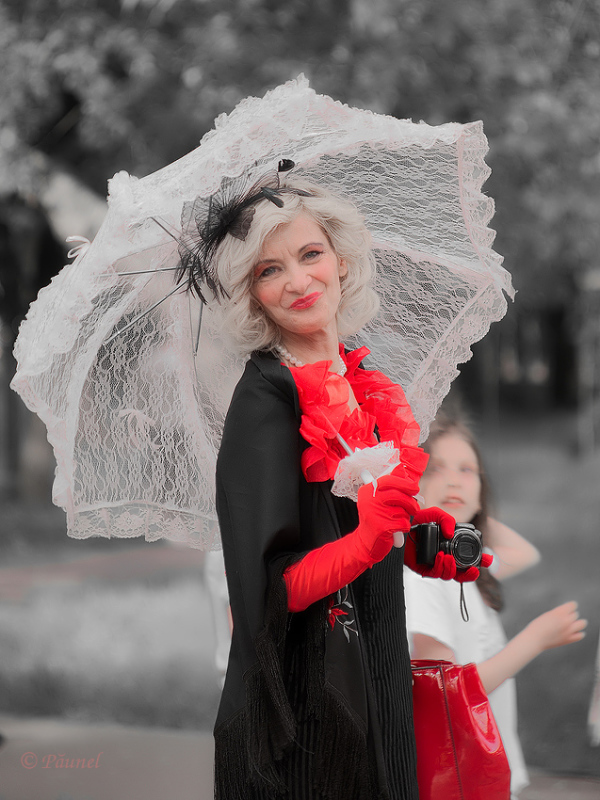 Lady with umbrella 2