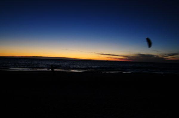 kite flying, twilight