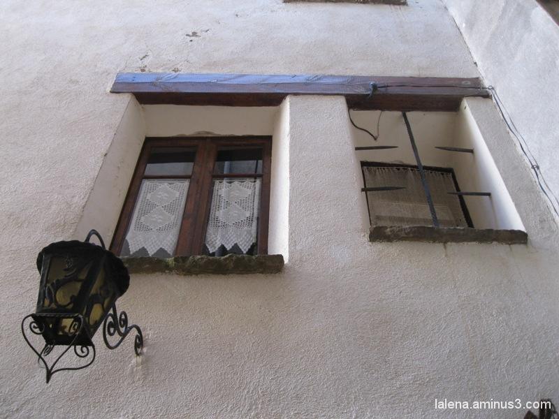 finestres protegides