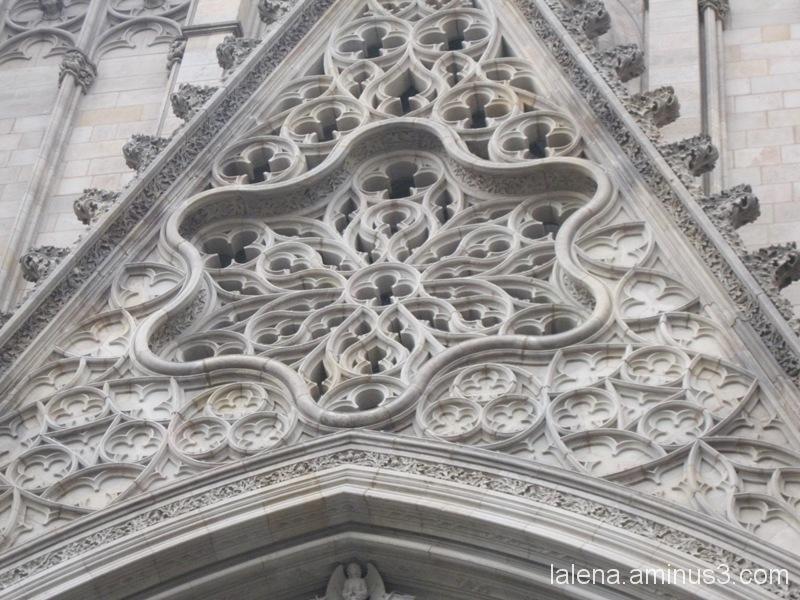 Detall modernista a la catedral
