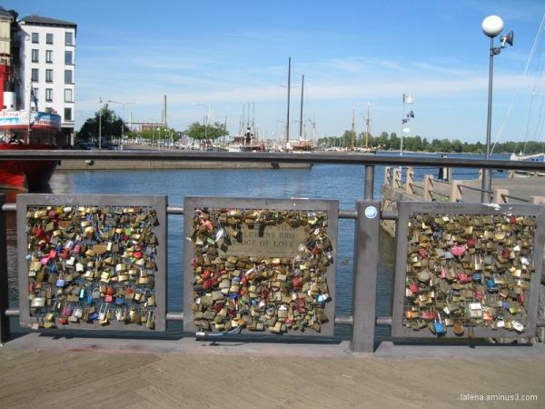Cadenats al pont del port Helsinki
