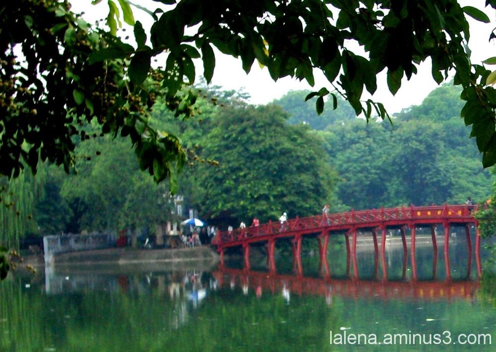 Pont vermell a Hanoi