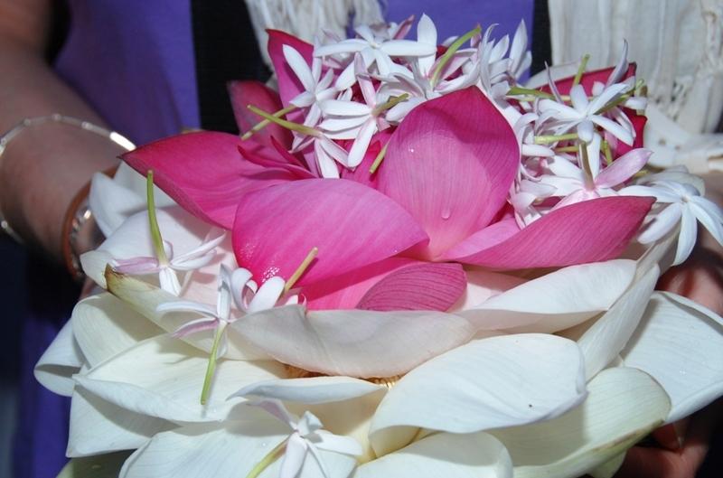 Ofrena floral a Buda