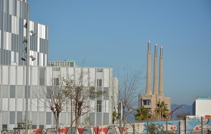 Les tres xemeneies des del Fòrum de Barcelona