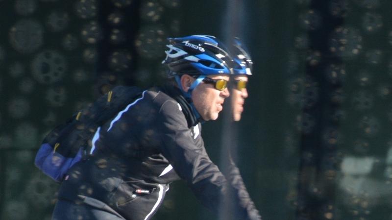 Trontollant sobre la bicicleta