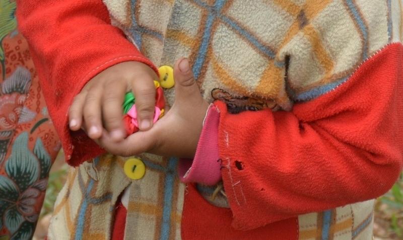 globus entre les petites mans