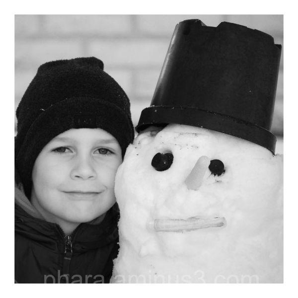 Two frozen men