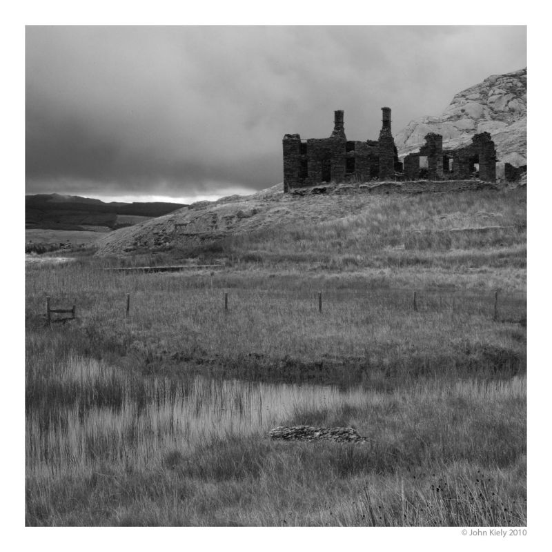 Images of derelict slate mines at tanygrisiau