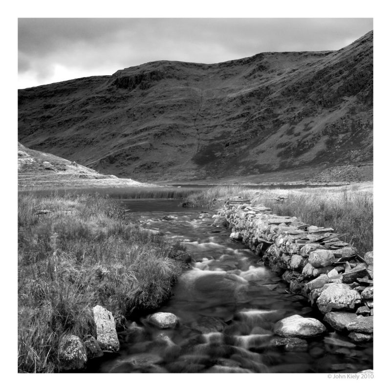 Black & white landscape photograph of cwmorthin