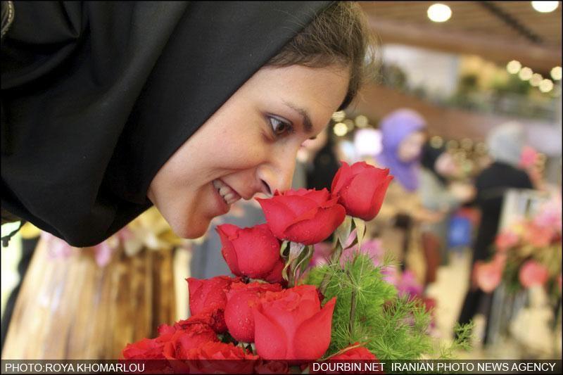 بر پایی نمایشگاه گل و گیاه در بوستان گفتگو