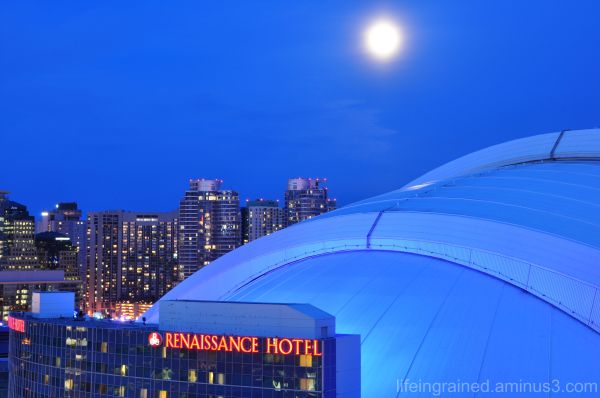 Rogers Centre under the moonlight